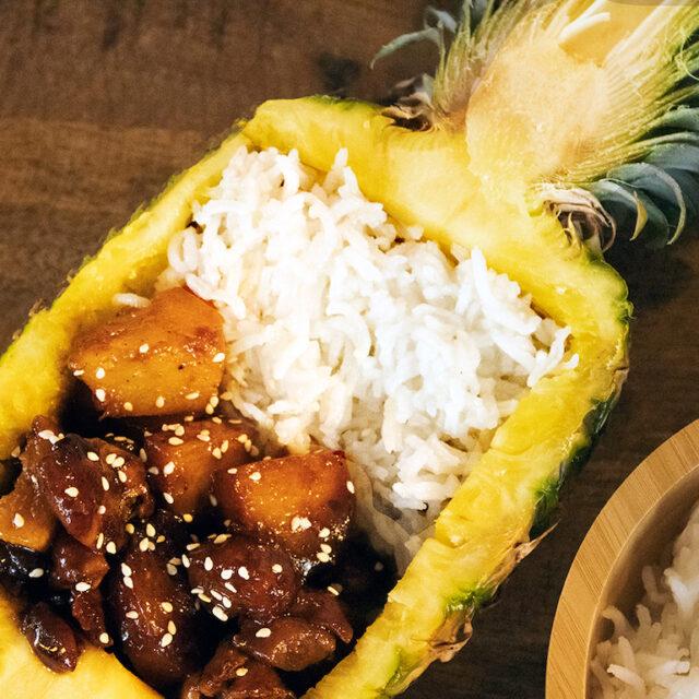Sticky Kip met Ananas